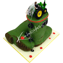 Hunter Wellington Wedding Cake