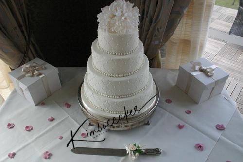 Quilt Design Wedding Cake : Quilted Wedding Cake Bespoke Nottinghamshire London