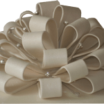 Iced bow & drape Single tier wedidng cake